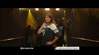 NFL Shop TV Spot, 'Patriots and Steelers Fans' - Thumbnail 3