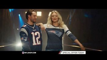 NFL Shop TV Spot, 'Patriots and Steelers Fans' - Thumbnail 4