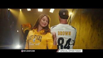 NFL Shop TV Spot, 'Patriots and Steelers Fans' - Thumbnail 7