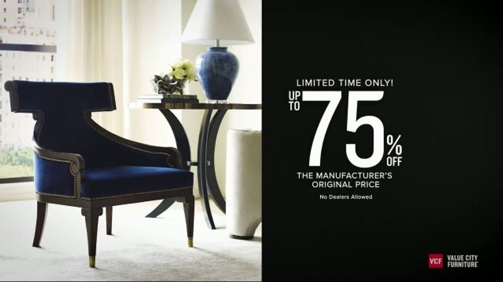 Value City Furniture Holiday Sale TV Commercial, 'Save on Thomasville, Hendredon and Drexel'
