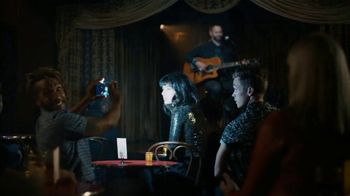 Google Pixel 3 TV Spot, 'Night Sight: $200 Off' Song by Queen - Thumbnail 5