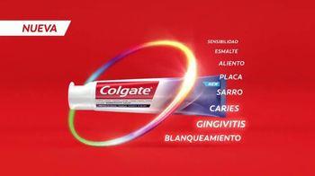Colgate Total SF TV Spot, 'La crema dental que hace más por toda tu boca' con Karla Martinez [Spanish] - Thumbnail 8
