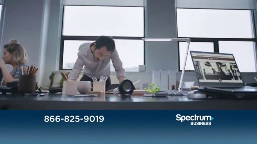 Spectrum Business TV Commercial, 'Small Business Network'