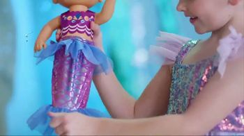 Baby Alive Shimmer 'N Splash Mermaid TV Spot, 'Mermaid Surprise' - Thumbnail 2