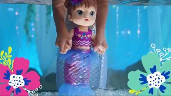 Baby Alive Shimmer 'N Splash Mermaid TV Spot, 'Mermaid Surprise' - Thumbnail 6