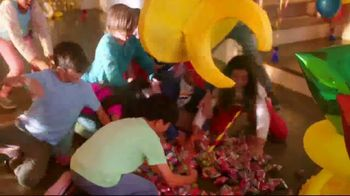 Ring Pop TV Spot, 'Party' - Thumbnail 3