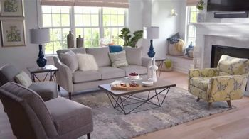 La-Z-Boy Super Saturday Sale TV Spot, 'Living Room Tour' - Thumbnail 4