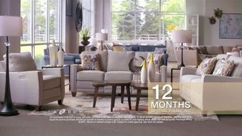 La-Z-Boy Super Saturday Sale TV Spot, 'Living Room Tour' - Thumbnail 8