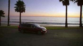 Chrysler Pacifica TV Spot, 'Disney Junior: A Whole New World' [T1] - Thumbnail 9