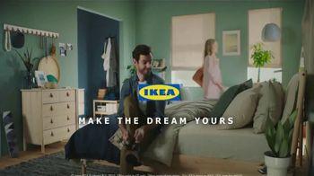 IKEA TV Spot, 'The Morningmorphosis: Nice Hair' - Thumbnail 10