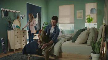 IKEA TV Spot, 'The Morningmorphosis: Nice Hair' - Thumbnail 3