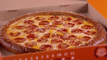Little Caesars Soft Pretzel Crust Pizza TV Spot, 'Fans'