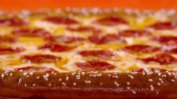 Little Caesars Soft Pretzel Crust Pizza TV Spot, 'Fans' - Thumbnail 2