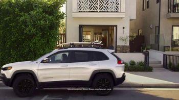 Jeep Start Something New Sales Event TV Spot, 'Surf Adventure' [T2] - Thumbnail 3