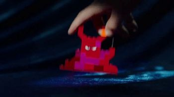 LEGO Movie 2 Play Sets TV Spot, 'Awesomer Together' - Thumbnail 4
