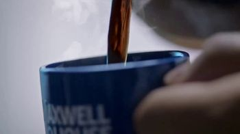 Maxwell House TV Spot, 'Hands That Hustle' - Thumbnail 9