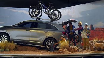 Kia TV Spot, 'SUVs for All: Bringing It to You' [T2] - Thumbnail 3