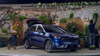 Kia TV Spot, 'SUVs for All: Bringing It to You' [T2] - Thumbnail 5