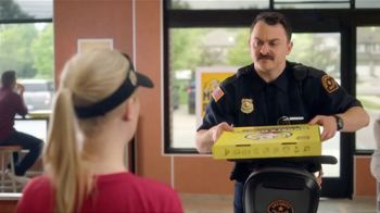 Hungry Howie's TV Spot, 'Mall Cop: $7.99' - Thumbnail 4