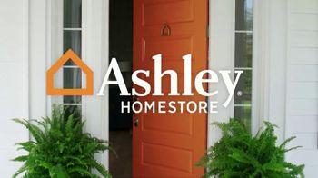 Ashley HomeStore Super Sale Weekend TV Spot, '25 Percent Off' - Thumbnail 2