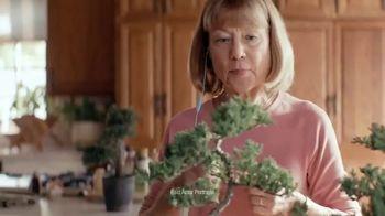 UnitedHealthcare AARP MedicareComplete TV Spot, 'Busy Grandma' - Thumbnail 3