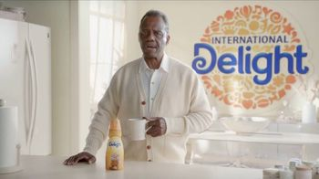 International Delight Caramel Macchiato TV Spot, \'Feeling Fancy\'