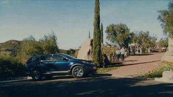 2019 Honda CR-V TV Spot, 'On the Look Out' [T2] - Thumbnail 4