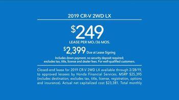 2019 Honda CR-V TV Spot, 'On the Look Out' [T2] - Thumbnail 6