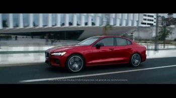 2019 Volvo S60 TV Spot, \'400 Horsepower\' [T1]