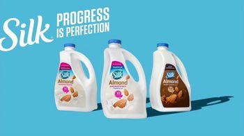 Silk Unsweetened Almond Milk TV Spot, 'Hood Ornament' - Thumbnail 10