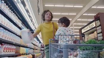 Silk Unsweetened Almond Milk TV Spot, 'Hood Ornament' - Thumbnail 3