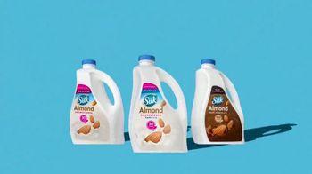 Silk Unsweetened Almond Milk TV Spot, 'Hood Ornament' - Thumbnail 9