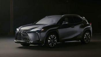 Lexus UX TV Spot  'HGTV: Moment With a Maker: Woodworker' [T1] - Thumbnail 10