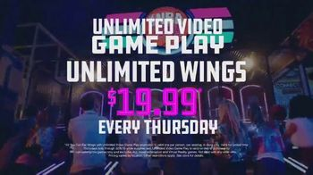 Dave and Buster's Thursdays TV Spot, 'Unlimited Video Games & Wings' - Thumbnail 7