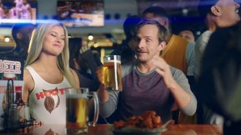Hooters TV Spot, 'Win or Lose: Bundle' - Thumbnail 3
