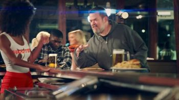 Hooters TV Spot, 'Win or Lose: Bundle' - Thumbnail 5