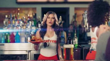 Hooters TV Spot, 'Win or Lose: Bundle' - Thumbnail 7