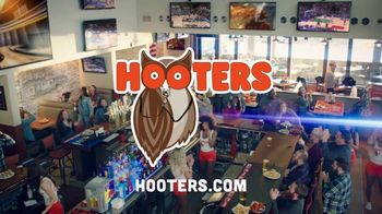 Hooters TV Spot, 'Win or Lose: Bundle' - Thumbnail 8