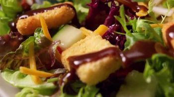Applebee's 3 Course Meal TV Spot, 'It's Back' Song by Stevie Wonder - Thumbnail 4