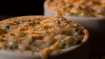 Applebee's 3 Course Meal TV Spot, 'It's Back' Song by Stevie Wonder - Thumbnail 5