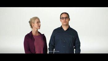 Verizon TV Spot, 'Austin and Jeulia: Samsung Phone' - Thumbnail 4