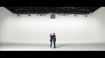 Verizon TV Spot, 'Austin and Jeulia: Samsung Phone' - Thumbnail 8