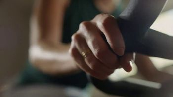 Peloton TV Spot, 'Workout at Home' Song by Phantogram - Thumbnail 6