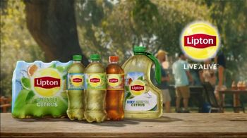 Lipton TV Spot, 'All Together' Song by The Likes of Us - Thumbnail 8