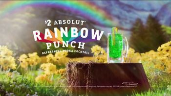 Applebee's $2 Absolut Rainbow Punch TV Spot, 'Refreshing'