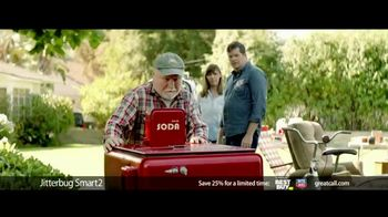 GreatCall Jitterbug Smart2 Heart Health Month TV Spot, 'A Simple Smartphone for Seniors to Use: 25 Percent Off' - Thumbnail 5