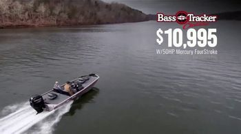 Bass Pro Shops Spring Fishing Classic TV Spot, 'Bass Tracker Classic Boat' - Thumbnail 8