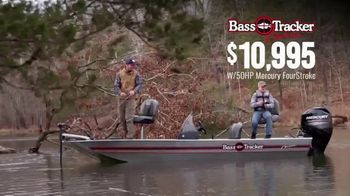 Bass Pro Shops Spring Fishing Classic TV Spot, 'Bass Tracker Classic Boat' - Thumbnail 6