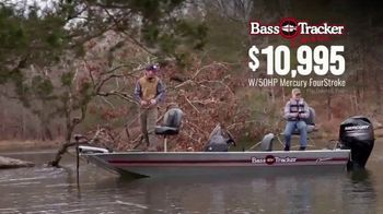 Bass Pro Shops Spring Fishing Classic TV Spot, 'Bass Tracker Classic Boat' - Thumbnail 7