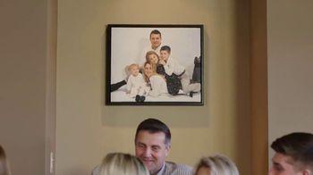 Paint Your Life TV Spot, 'Preserve Your Memories With a Family Portrait!' - Thumbnail 7
